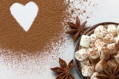 Υπόβαθρο ημέρας βαλεντίνων marshmellow, μπλε anis αστεριών σκονών κακάου καφέ φλυτζανιών Στοκ Εικόνες