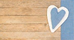 Υπόβαθρο ημέρας πατέρων ή ημέρας βαλεντίνων με την μπλε καρδιά Στοκ Φωτογραφίες