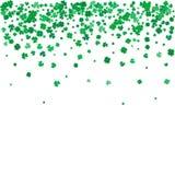 Υπόβαθρο ημέρας του ST Patricks με τα πετώντας τριφύλλια Στοκ εικόνα με δικαίωμα ελεύθερης χρήσης