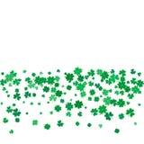 Υπόβαθρο ημέρας του ST Patricks με τα πετώντας τριφύλλια Στοκ φωτογραφία με δικαίωμα ελεύθερης χρήσης