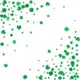 Υπόβαθρο ημέρας του ST Patricks με τα πετώντας τριφύλλια Στοκ Φωτογραφίες