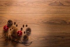 Υπόβαθρο θέματος Χριστουγέννων, στον ξύλινο πίνακα Στοκ φωτογραφίες με δικαίωμα ελεύθερης χρήσης