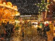 Υπόβαθρο θαμπάδων Defocused της αγοράς Χριστουγέννων Στοκ εικόνες με δικαίωμα ελεύθερης χρήσης