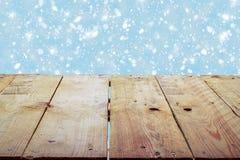 Υπόβαθρο διακοπών Χριστουγέννων με τον κενό ξύλινο πίνακα γεφυρών Στοκ φωτογραφίες με δικαίωμα ελεύθερης χρήσης