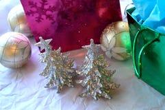 Υπόβαθρο διακοσμήσεων Χριστουγέννων Glittery Στοκ εικόνες με δικαίωμα ελεύθερης χρήσης