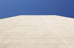 Υπόβαθρο κτηρίου και ουρανού Στοκ φωτογραφία με δικαίωμα ελεύθερης χρήσης