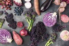 Υπόβαθρο λαχανικών στην πορφύρα, πράσινος και σκούρο κόκκινο Στοκ Φωτογραφίες