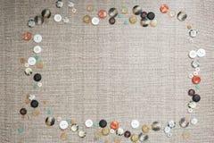 Υπόβαθρο με πολλά ζωηρόχρωμα πολυ μεγέθους κουμπιά Στοκ εικόνες με δικαίωμα ελεύθερης χρήσης