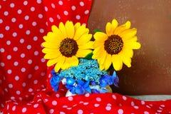 Υπόβαθρο με τα θερινά λουλούδια Στοκ Φωτογραφίες