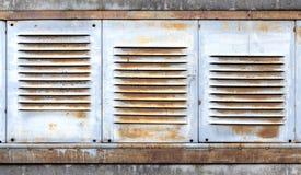 Υπόβαθρο με τα παλαιά κάγκελα εξαερισμού μετάλλων Στοκ Φωτογραφία