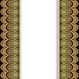 Υπόβαθρο με τα λωρίδες της χρυσών δαντέλλας και των μαργαριταριών Στοκ Φωτογραφία