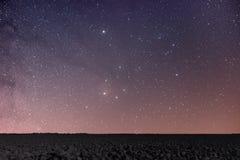Υπόβαθρο νύχτας νυχτερινός ουρανός έναστρ αστέρια νυχτερινού ουρα&nu Στοκ εικόνα με δικαίωμα ελεύθερης χρήσης