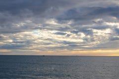 Υπόβαθρο ουρανού ηλιοβασιλέματος πέρα από τη Μαύρη Θάλασσα στοκ φωτογραφίες με δικαίωμα ελεύθερης χρήσης