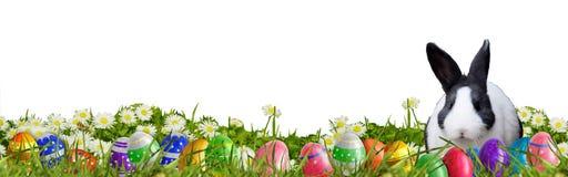 Υπόβαθρο Πάσχας με τα αυγά Πάσχας και το λαγουδάκι Πάσχας Στοκ φωτογραφίες με δικαίωμα ελεύθερης χρήσης