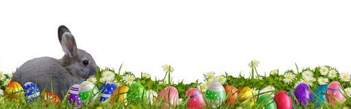 Υπόβαθρο Πάσχας με τα αυγά Πάσχας και το λαγουδάκι Πάσχας Στοκ φωτογραφία με δικαίωμα ελεύθερης χρήσης