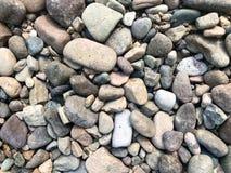 Υπόβαθρο πετρών θάλασσας ή ποταμών, μικροί βράχοι, μικροί, πέτρες στοκ φωτογραφίες με δικαίωμα ελεύθερης χρήσης