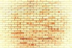 Υπόβαθρο πετρών σύστασης του κίτρινου τουβλότοιχος, επιφάνεια τοίχων σύστασης με τα κόκκινα τούβλα Στοκ Φωτογραφία