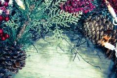 Υπόβαθρο στεφανιών διακοπών Χριστουγέννων Στοκ φωτογραφία με δικαίωμα ελεύθερης χρήσης