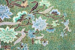 Υπόβαθρο σχεδίων σαρόγκ μπατίκ στην Ταϊλάνδη, παραδοσιακό μπατίκ Στοκ εικόνες με δικαίωμα ελεύθερης χρήσης