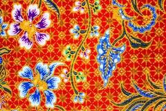 Υπόβαθρο σχεδίων σαρόγκ μπατίκ στην Ταϊλάνδη, παραδοσιακό μπατίκ Στοκ Φωτογραφίες