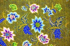 Υπόβαθρο σχεδίων σαρόγκ μπατίκ στην Ταϊλάνδη, παραδοσιακό μπατίκ Στοκ φωτογραφία με δικαίωμα ελεύθερης χρήσης