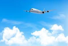 Υπόβαθρο ταξιδιού με ένα αεροπλάνο και άσπρα σύννεφα Στοκ εικόνα με δικαίωμα ελεύθερης χρήσης