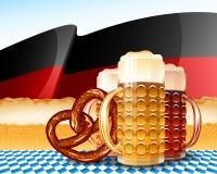 Υπόβαθρο της Γερμανίας σημαιών αφρού ξανθού γερμανικού ζύού γυαλιού μπύρας Oktoberfest Στοκ Φωτογραφίες