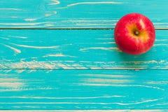 Υπόβαθρο της Apple/Apple/Apple στο εκλεκτής ποιότητας ξύλινο υπόβαθρο Στοκ φωτογραφία με δικαίωμα ελεύθερης χρήσης