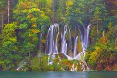 Υπόβαθρο τοπίων φθινοπώρου Λίμνες Plitvice Κροατία Στοκ Εικόνα