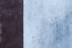 Υπόβαθρο του σκοτεινού μετάλλου και του παλαιού κοντραπλακέ Στοκ Εικόνες