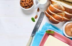 Υπόβαθρο τροφίμων με τα συστατικά για το πρόγευμα Στοκ Φωτογραφία