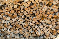 Υπόβαθρο των κομμένων κούτσουρων σημύδων Στοκ εικόνα με δικαίωμα ελεύθερης χρήσης