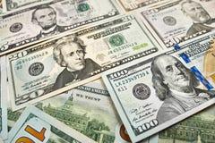 Υπόβαθρο των λογαριασμών 100 δολαρίων Αμερικανικό βισμούθιο εκατό δολαρίων χρημάτων Στοκ Εικόνες