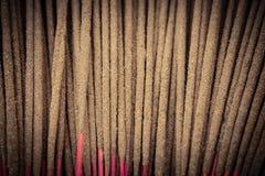 Υπόβαθρο των ραβδιών θυμιάματος στο σύντομο χρονογράφημα προστιθέμενο Στοκ φωτογραφία με δικαίωμα ελεύθερης χρήσης