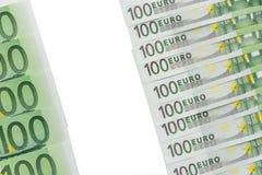 Υπόβαθρο των τραπεζογραμματίων στην ονομαστική αξία εκατό ευρώ Π στοκ φωτογραφία