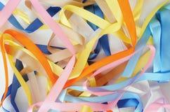 Υπόβαθρο των φωτεινών χρωματισμένων κορδελλών σατέν Στοκ φωτογραφία με δικαίωμα ελεύθερης χρήσης