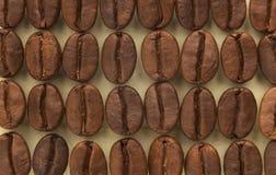 Υπόβαθρο φασολιών καφέ, κινηματογράφηση σε πρώτο πλάνο Στοκ φωτογραφία με δικαίωμα ελεύθερης χρήσης