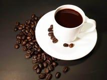 Υπόβαθρο φασολιών φλυτζανιών καφέ Στοκ φωτογραφία με δικαίωμα ελεύθερης χρήσης