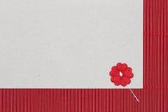 Υπόβαθρο χαρτονιού με το λουλούδι εγγράφου Στοκ Φωτογραφίες