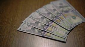 υπόβαθρο χρημάτων μετρητών Πορτρέτο του Benjamin Franklin σε 100 4K φιλμ μικρού μήκους