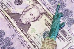 Υπόβαθρο χρημάτων, με ένα παιχνίδι αναμνηστικών που βρίσκεται σε το Στοκ Εικόνες