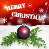 Υπόβαθρο Χριστουγέννων - κόκκινο διακοσμήσεων Χριστουγέννων - χιόνι Στοκ Εικόνες
