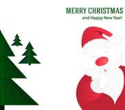 Υπόβαθρο Χριστουγέννων με Άγιο Βασίλη και το πράσινο χριστουγεννιάτικο δέντρο Στοκ Φωτογραφία