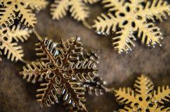Υπόβαθρο Χριστουγέννων με διακοσμητικό snowflake Στοκ Εικόνες