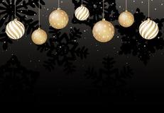 Υπόβαθρο Χριστουγέννων με τις χρυσές σφαίρες και μαύρα snowflakes διάνυσμα απεικόνιση αποθεμάτων