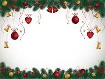 Υπόβαθρο Χριστουγέννων με τους κλάδους, τα κουδούνια και τις σφαίρες έλατου Στοκ Εικόνα