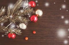 Υπόβαθρο Χριστουγέννων με το δέντρο έλατου Χριστουγέννων Στοκ Εικόνα