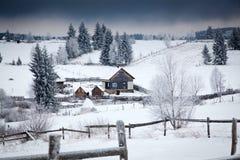 υπόβαθρο Χριστουγέννων του χιονώδους χειμερινού τοπίου Στοκ φωτογραφίες με δικαίωμα ελεύθερης χρήσης