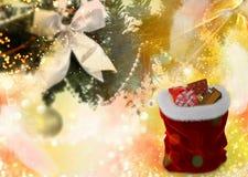Υπόβαθρο Χριστουγέννων: Χριστουγεννιάτικο δέντρο και δώρα για τα Χριστούγεννα Στοκ φωτογραφία με δικαίωμα ελεύθερης χρήσης