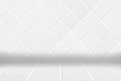 Υπόβαθρο Architectual φιαγμένο από άσπρο μωσαϊκό διαμαντιών και άσπρο πάτωμα Στοκ Εικόνα
